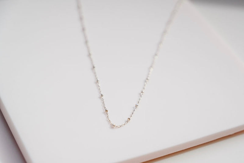 choker silver textured ball necklace