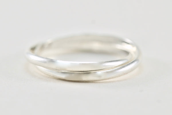The silver meditation ring
