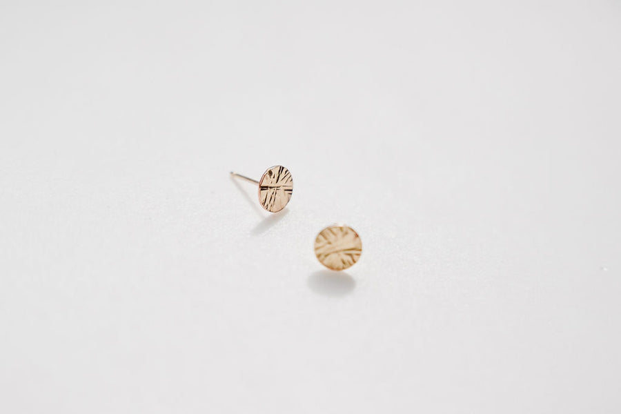 small texture gold disc earring studs