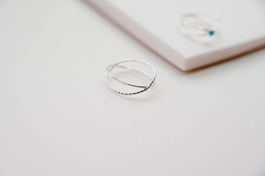 silver criss cross stacking ring