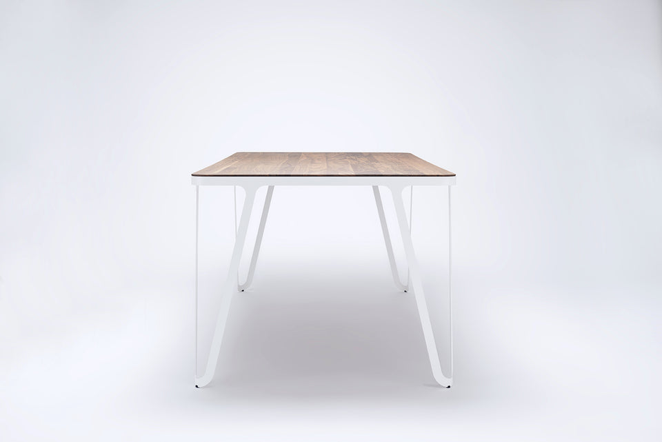 Loop Table / American walnut