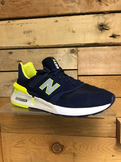 MS997RH New Balance Trainer