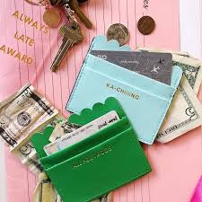 Ka-Chiiiing Scalloped Card Holder
