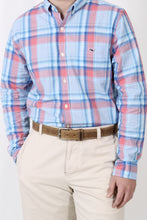 Cloud Dress Shirt- Vineyard Vines Martin Point Plaid Slim Tucker Shirt Detail