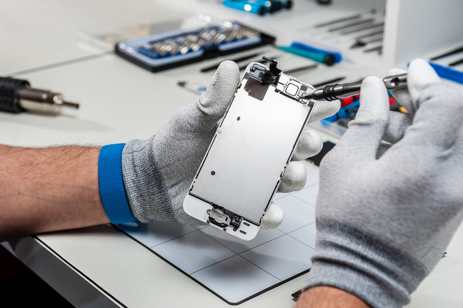 "<h1 style=""text-align: center;"">5 Misconceptions About Phone Repair</h1 style=""text-align: center;"">"