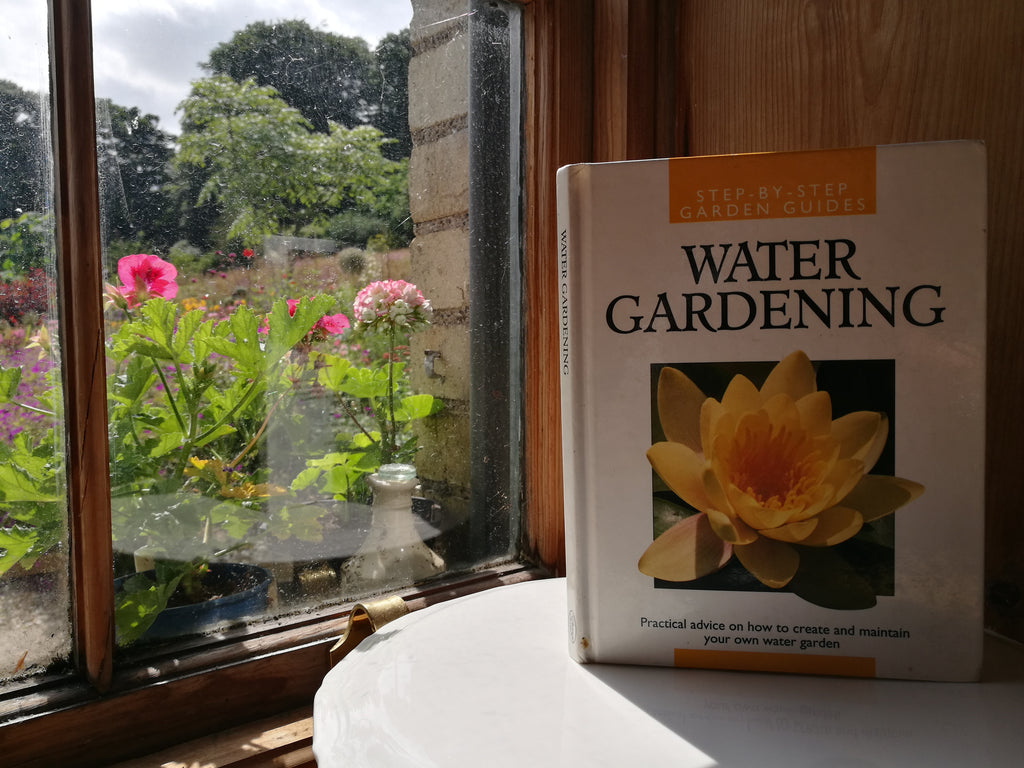 Water Gardening (Step by Step Garden Guides)