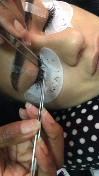 Semi-Permanent Eyelash Fill In
