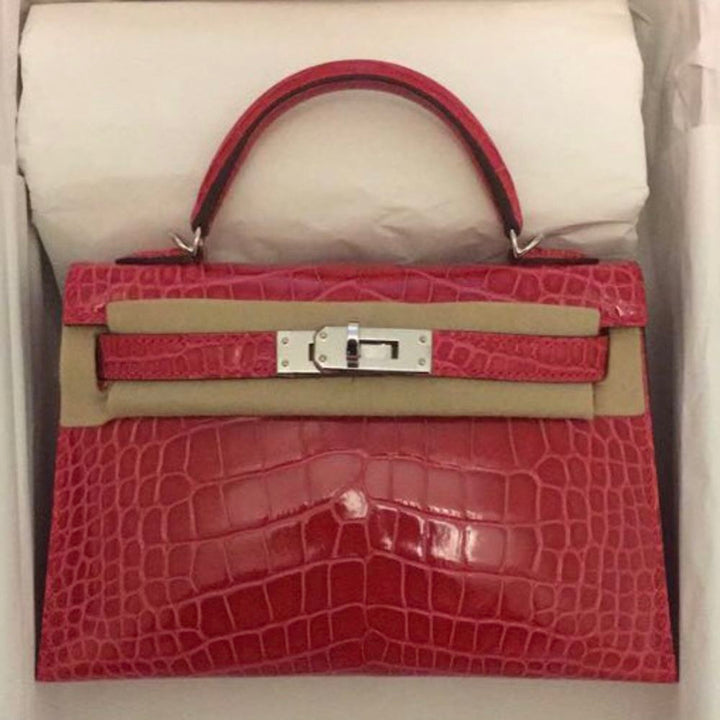 Hermès Kelly 20 Rose Extreme Sellier Alligator Mississippi Lisse Palladium Hardware PHW C Stamp 2018 <!28283239> - The French Hunter