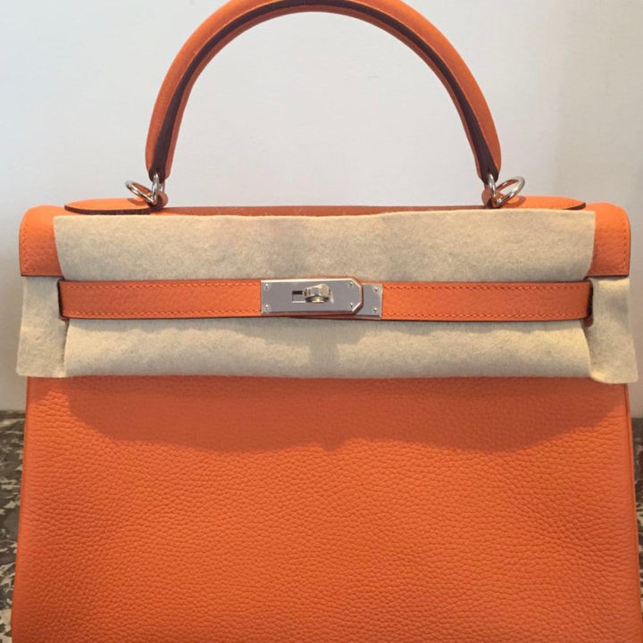 Hermès Kelly 32 Orange Clemence Palladium Hardware PHW C Stamp 2018 <!28352441> <!SOLD> <!SOLD> <!SOLD> <!SOLD> - The French Hunter