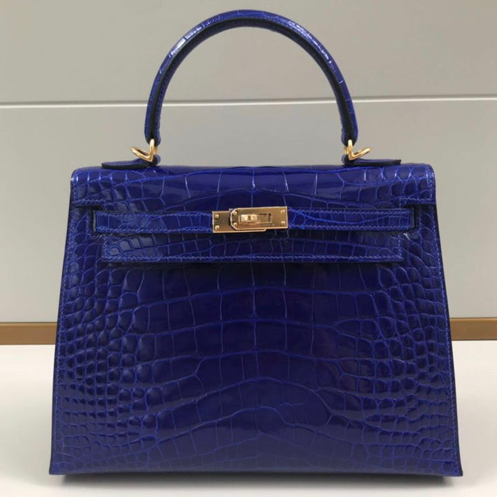 Hermès Kelly 25 Bleu Electrique Sellier Alligator Mississippi Lisse Gold Hardware GHW C Stamp 2018 <!28485274> - The French Hunter