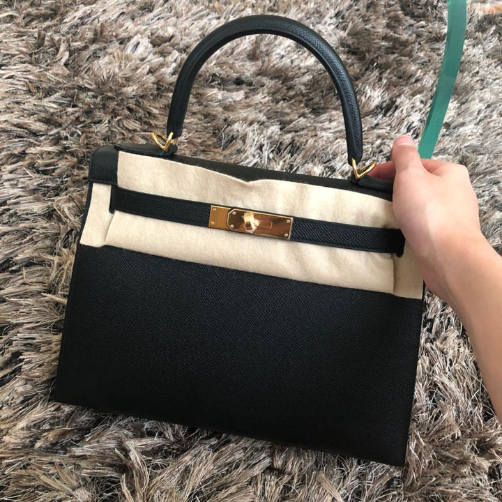 Hermès Kelly 28 Noir (Black) Sellier Epsom Gold Hardware GHW C Stamp 2018 <!29017375> - The French Hunter