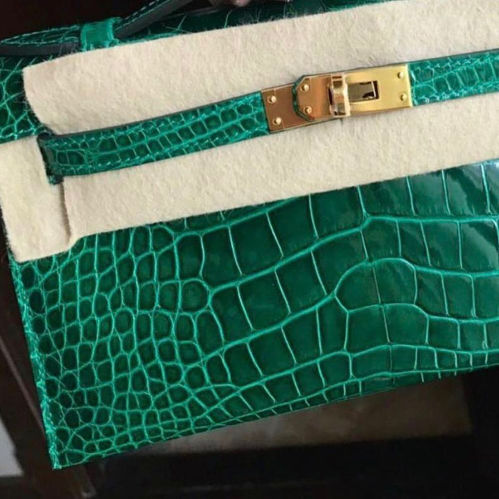 Hermès Kelly Pochette Vert Emeraude Alligator Mississippi Lisse Gold Hardware GHW C Stamp 2018 <!30125913> - The French Hunter
