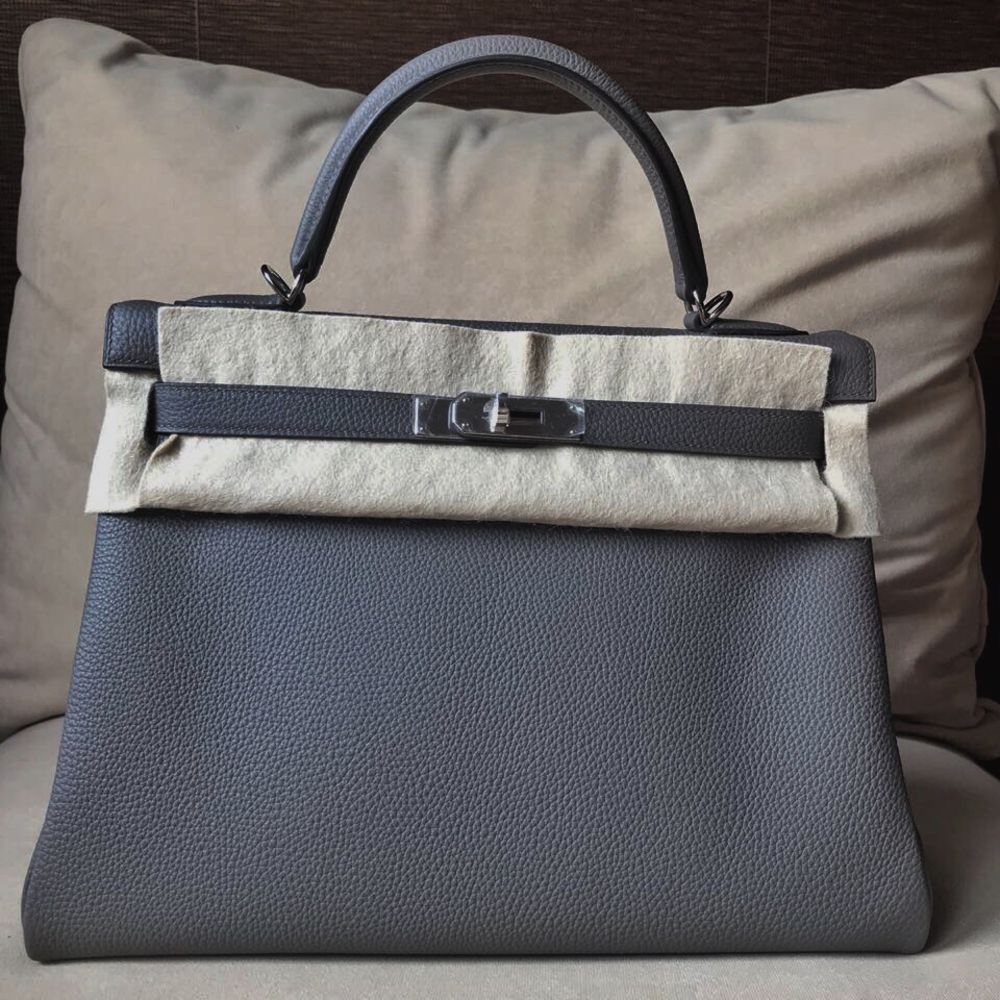 Hermès Kelly 32 Gris Etain Togo Palladium Hardware PHW C Stamp 2018 <!30165538> <!SOLD> <!SOLD> - The French Hunter
