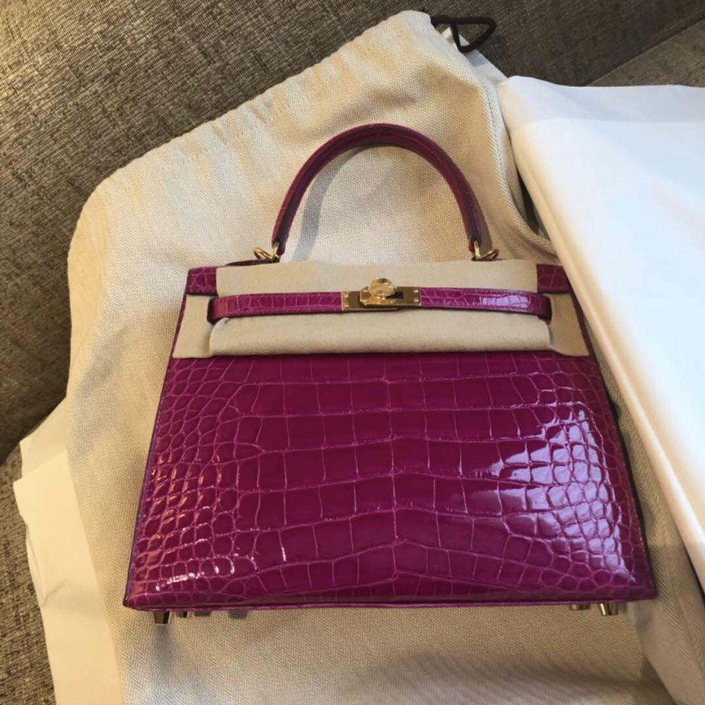 Hermès Kelly 25 Rose Sheherazade Sellier Crocodile Niloticus Lisse Gold Hardware GHW C Stamp 2018 <!30351952> - The French Hunter