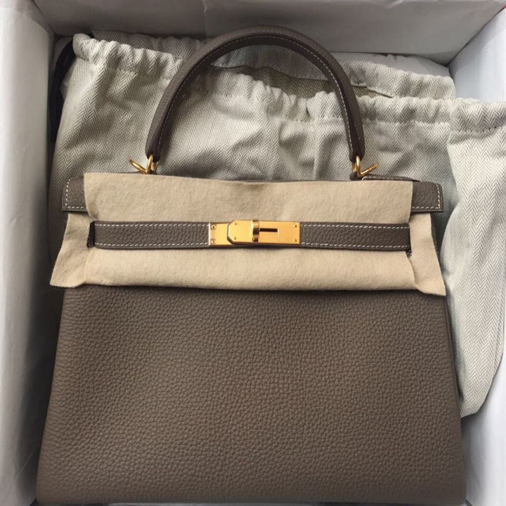 Hermès Kelly 28 Etoupe Togo Gold Hardware GHW C Stamp 2018 <!30445862> <!SOLD> - The French Hunter