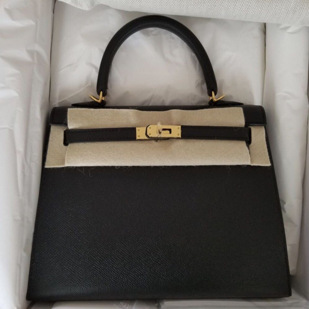 Hermès Kelly 25 Noir (Black) Sellier Epsom Gold Hardware GHW C Stamp 2018 <!30446137> <!SOLD> - The French Hunter