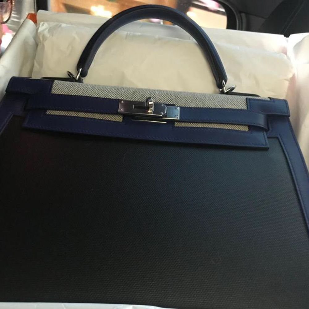 Hermès Kelly Limited Edition 32 Noir (Black)/Bleu Saphir Toile H Berline, Sellier Epsom Palladium Hardware PHW C Stamp 2018 <!30525896> <!SOLD> - The French Hunter