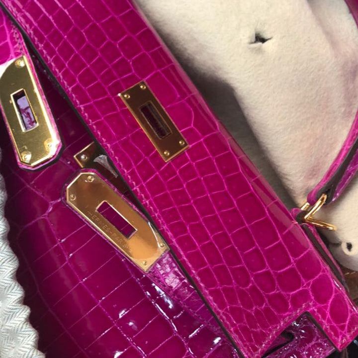 Hermès Kelly 28 Rose Sheherazade Crocodile Niloticus Lisse Gold Hardware GHW C Stamp 2018 <!30578433> - The French Hunter