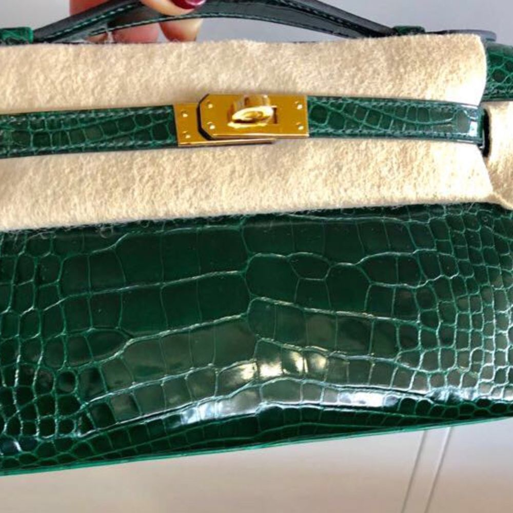 Hermès Kelly Pochette Vert Fonce Sellier Alligator Mississippi Lisse Gold Hardware GHW C Stamp 2018 <!31265716> - The French Hunter