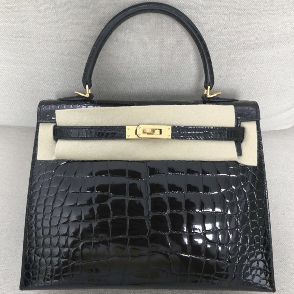 Hermès Kelly 25 Noir (Black) Sellier Alligator Mississippi Lisse Gold Hardware GHW C Stamp 2018 <!31456727> - The French Hunter