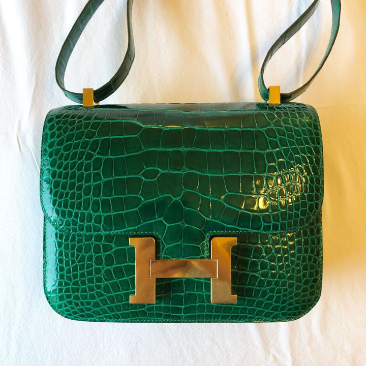 Hermès Constance 24 Vert Emeraude Alligator Mississippi Lisse Gold Hardware GHW C Stamp 2018 - The French Hunter