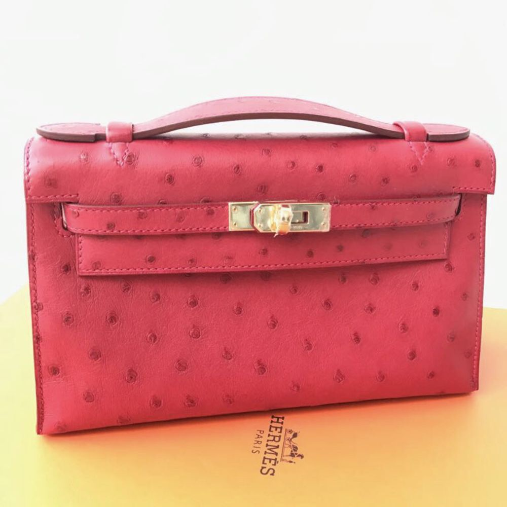 Hermès Kelly Pochette Rouge Vif Ostrich Gold Hardware GHW A Stamp 2017 - The French Hunter