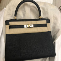 b40a675d37 Hermès Kelly 25 Noir (Black) Togo Gold Hardware GHW C Stamp 2018 - The