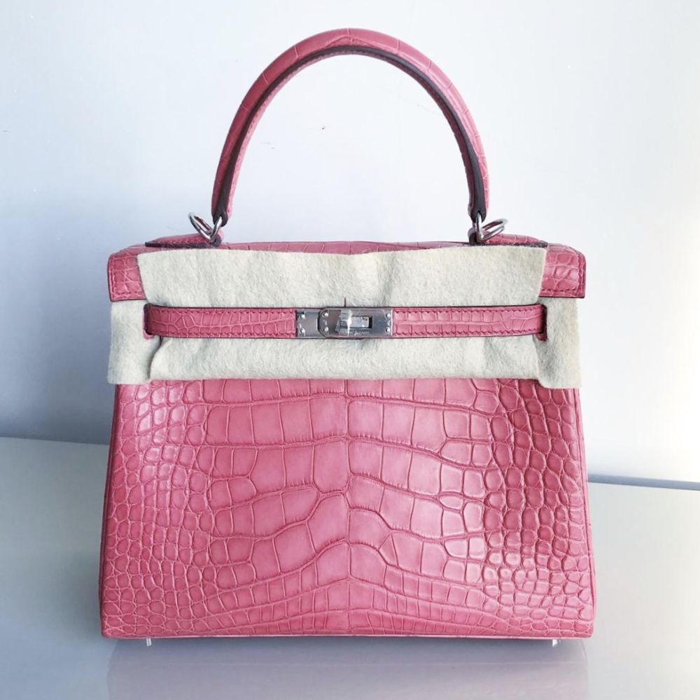 Hermès Kelly 25 Bougainvillier Alligator Mississippi Matte Palladium Hardware PHW C Stamp 2018 - The French Hunter