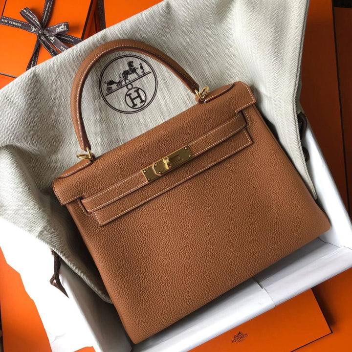 f8c37a4b8e8a8 Hermès Kelly 28 Gold Togo Gold Hardware GHW D Stamp 2019 – The ...