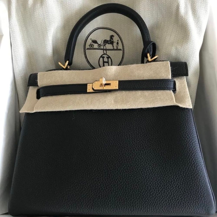 Hermès Kelly 25 Noir (Black) Togo Gold Hardware GHW