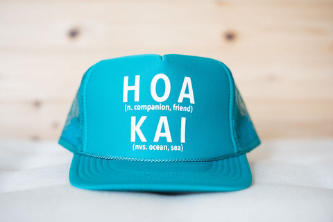 HOA KAI Defined Trucker Hat: AQUA