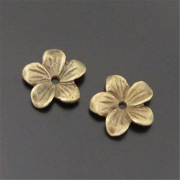 GraceAngie 60PCS Atq Bronze Alloy Flower Beads Cap Finding 13*13*2MM 04164 Handmade Fashion Jewelry