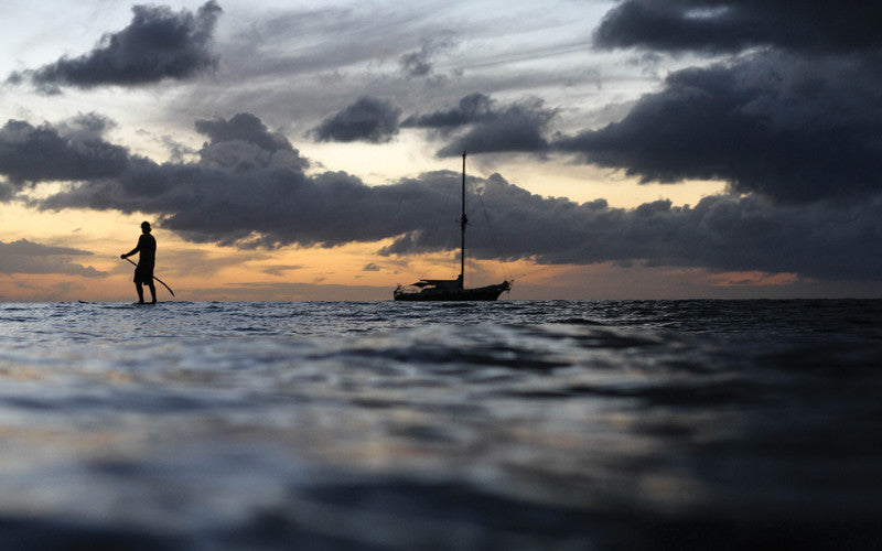 An amazing solo feat, man paddles across the Atlantic Ocean.