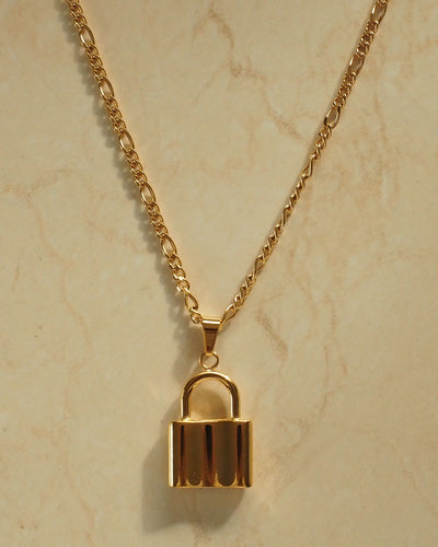 18k gold plated - Statement Lock Figaro Necklace