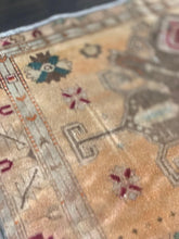 "Load image into Gallery viewer, 3'6"" x 6'5"" Vintage Turkish Oushak - Online Oriental Rugs"