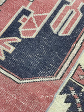 "Load image into Gallery viewer, 3'8"" x 6'10"" Vintage Turkish Oushak - Online Oriental Rugs"