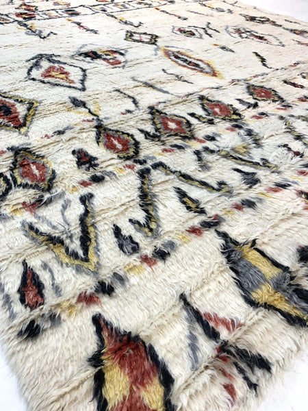 "8'2"" x 10'1"" Hand Weaved Long Hair New Zealand 🇳🇿 Wool Moroccan Weaved Rug - Online Oriental Rugs"