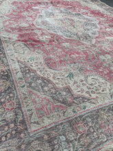 "Load image into Gallery viewer, 9'5"" x 12'5"" 80yr Old Vintage Distressed Tabriz Rug"