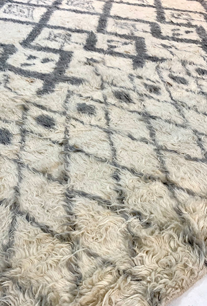 "8' x 10'4"" Hand Weaved Long Hair New Zealand 🇳🇿 Wool Moroccan Rug"