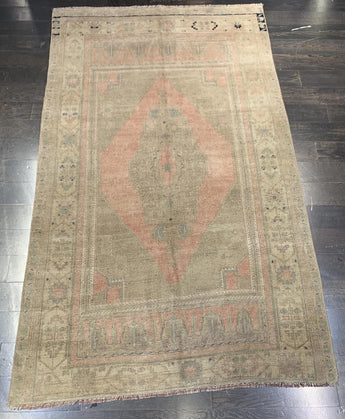 "4'4"" x 7'2"" Vintage Turkish Oushak"