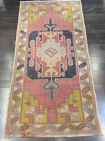 "3'8"" x 6'10"" Vintage Turkish Oushak"