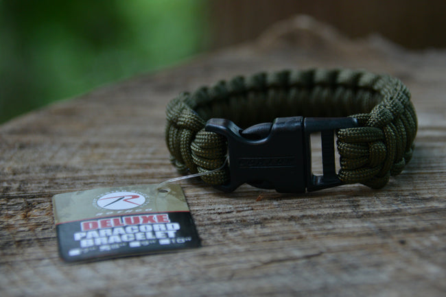 "Deluxe Paracord ""Rescue"" Bracelet -Olive Drab 8"""
