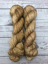 Load image into Gallery viewer, Gentlemen Prefer Blondes-Bombshell Worsted-Ready to Ship