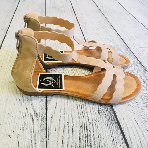 Elisabeth Scalloped Sandal