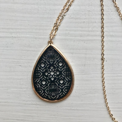 Dainty Filigree Necklace -Black
