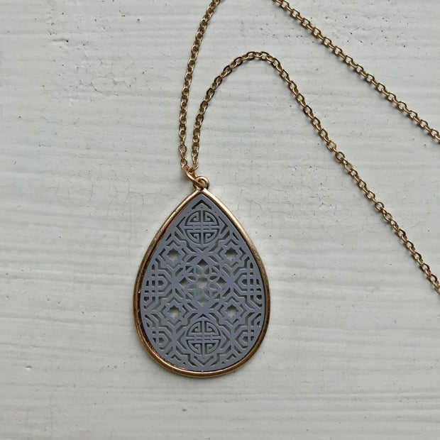 Dainty Filigree Necklace -Gray