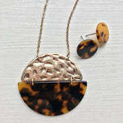 Art Deco - Leopard Print / Metal Circle Pendant Necklace