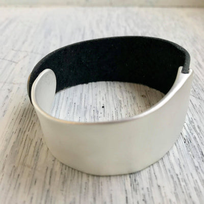 Black Metal Snap Cuff