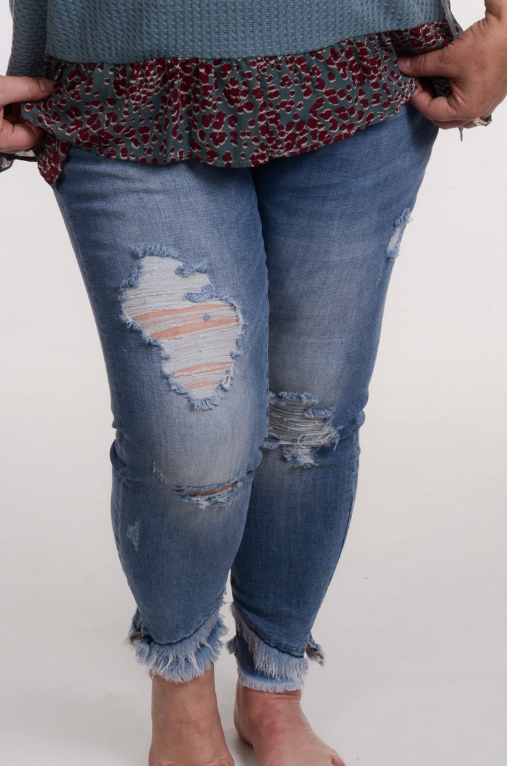 Mid Rise Frayed Ankle Skinny
