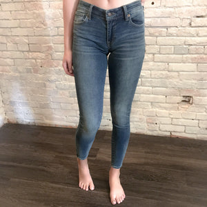 Medium Wash Super Skinny